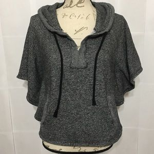 KIRRA GRAY HEATHERED PONCHO STYLE PULLOVER HOODIE